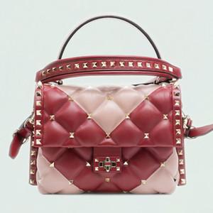 2018new мода женские сумки на ремне из натуральной кожи роскошные сумки женские сумки дизайнер заклепки стиль овчины сумки для дам Y19062003