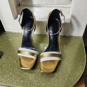 European Classic Luxury Style Damenschuhe Sandalen Mode Hausschuhe Sexy Sandale Brief Modell Ferse Leder Nähen und machen Gürtelschnallen
