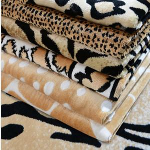 Largura Padrão 150 centímetros Leopard Tecido de veludo engrossado tecendo Plush Tiger Mascot Costume material Sofá Chair pano