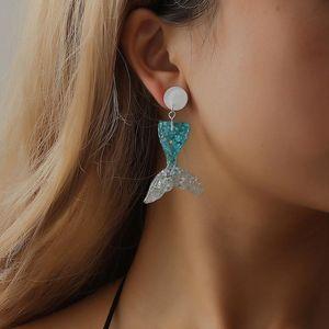 Pendientes de sirena bonitos Pendientes de bohemia étnica Pendientes de cola de pez de resina de lentejuelas de verano para mujeres Joyas de moda Pendientes de lujo