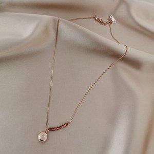 Europäische und amerikanische farblose Halskette weibliche Gezeiten Smiley Anhänger einfaches Temperament wildes Netz rot Lächeln Titan Stahl Claviclekette