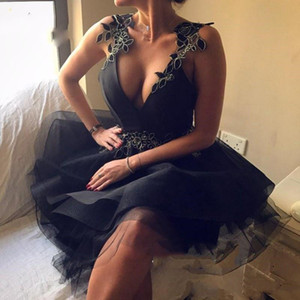 Sexy Black Open Back Short Deep V Neck Party Dresses With Floral Appliques Puffy A Line Women Cocktail Gowns