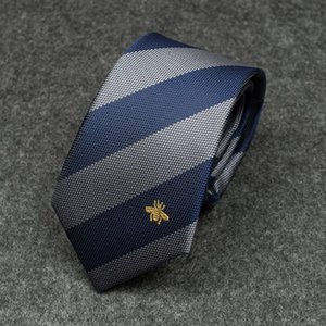 2019 Men New Tie Fashion Red e Blue Personality Diagonal Stripes Colore Matching Bee Pattern Wild Dress Business Casual