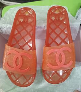 Heiße gebrandmarkte Frauen Männer Freier PVC-flache Sandale Sommer-Strand-Außen Slipper Fashion Männlich Weiblich Brief PVC Sohle Slide Sandale