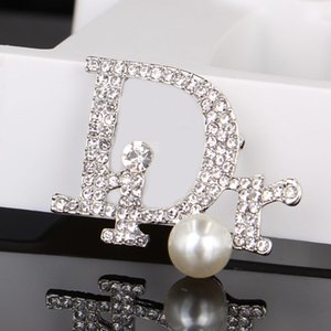 Cristallo dell'annata di lusso del progettista Spilla Donne Lettera perla Spille strass modo di marca Spille regalo per l'amore
