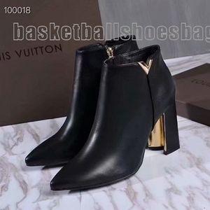 Commercio all'ingrosso primavera e l'autunno di cuoio di inverno Donne Tacchi cuspide Chunky Martin stivali neri con Boots 111701