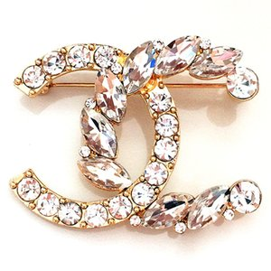Hyun version of the brooch small fragrance wind letter C diamond brooch wedding dress dress accessories brooch