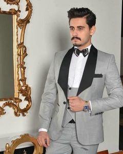 Classic Shawl Lapel Wedding Tuxedos Slim Fit Suits For Men Groomsmen Suit Three Pieces Prom Formal Suits (Jacket+Pants+Vest+Tie) W104