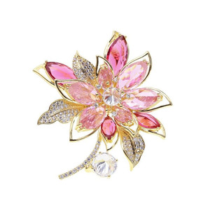 Christmas Crystal Flower Brooches Pins For Women New Fashion Wedding Brooch Jewelry 18K Gold Plated Suit Accessories Designer Boutonniere