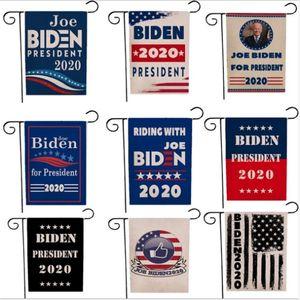 30 * 45cm Gli Stati Uniti elezione Biden Trump Letters Stampa Bandiere Giardino Bandiera segnale a mano in poliestere 2020 American Flags Garden Home Decoration