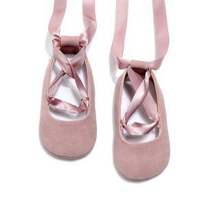 Zapatos de bebé dulces niñas cinta con cordones zapatos inferiores suaves infantiles niños PU cuero princesa zapatos de baile niños pequeños primeros caminante ajuste 0-24 M A2509