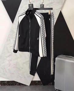 Diseñador del chándal de marca para hombre sudaderas ver para hombre otoño lujo chándales del basculador de los juegos de pantalones Chaqueta Conjuntos Sporting traje de algodón impreso los hombres