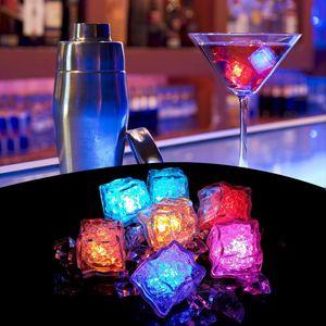 RGB Blitz leuchtet Eiswürfel leuchtet Flash-Flüssig-Sensor Wasser Submersible LED Bar Light Up für Club Hochzeit Champagne-Turm