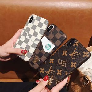 Für iPhone 11 Pro Max Monogramm-Fall Ganzkörper-Auto-Abdeckung für IPhone XS Max / XR X 8/7 Plus-Handyrückseitige Abdeckung mit Kartensteckplatz Geschenke
