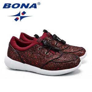Qualità dei classici delle donne di stile a piedi scarpe Lace Up Feminimo Athletic Shoes Luce soffusa lady outdoor jogging Sneakers