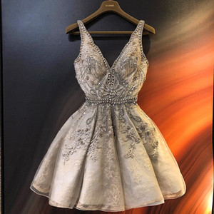 2019 Luxurious Beads Crystal Homecoming Dresses Deep V-neck Graduation Dresses Lace Short Cocktail Party Gowns Custom Size