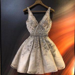 2019 Luxurious Korn-Kristallabiballkleider mit tiefem V-Ausschnitt-Abschluss-Kleider Spitze-Kurzschluss-Cocktailparty-Kleid-Gewohnheits-Größe