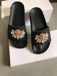 The Slippers New Summer H-type Female Fashion Flat-bottomed Sandals and Slippers Outdoor Tide Sandals