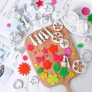 33pcs / 설정 플런저 퐁당 커터 케이크 도구 쿠키 비스킷 케이크 금형 3D Sugarcraft 케이크 장식 도구 꽃 세트 GGA3161-4