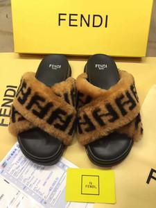 2020 En erkekler kadınlar Slaytlar kış luxuy Designe Kapalı kürk Marka sıcak Sandalet Terlik Ev Ayaklı kutusu Sandal 35-45 ile Floplar womens