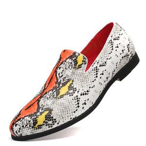2020 Art und Weise Schlange Haut Muster Schuhe große Größe Männer Beleg-auf Bootsschuhe und weise Partei loafer 38-48 Graffiti Schuhe Z67