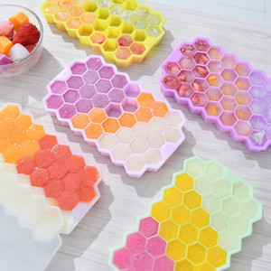 Hot Sale Creative DIY Silicone Ice Grid Stackable Honeycomb Ice Tray Mold 37 Grid Ice Box With Cover Kitchen Bar Tool Supplies