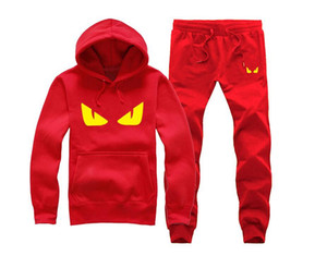 Marka Yeni Erkekler Setleri Moda Sporting Suit Kazak + Sweatpants Erkek Giyim 2 Parça Setleri Ince Eşofman T13
