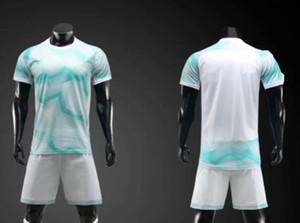 la parte superior 2019 de los hombres de malla de rendimiento personalizado Uniformes de fútbol kits Deportes Fútbol Jersey Establece jerseys con pantalones cortos para hombre desgaste Fútbol Ropa personalizada