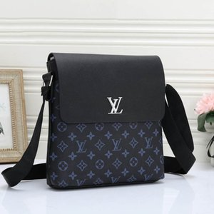 Sacchetti casuali Messaggio Borse Cartella qs B102687K Fanny Pack Outdoor Marca spalla di modo Mens design Crossbody Bag di lusso