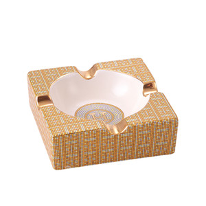 European Luxury Gold fumo ceramica Cigar Ashtray Casa Tavola Accessori Deco Outdoor Ash Tray Boss uomini regalo di compleanno T200111