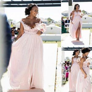 2019 Ucuz Pembe Uzun Nedime Kolsuz Güney Afrika Dantel Aplike Scoop Boyun Yan Bölünmüş Şifon Nedime elbise Custom Made