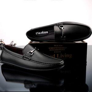 Мужчины кожаных ботинок зима теплой шерсть Итальянской Мокасины Плоского вождение обувь из натуральной кожи высокого качества Мужской тапок Fur Внутри