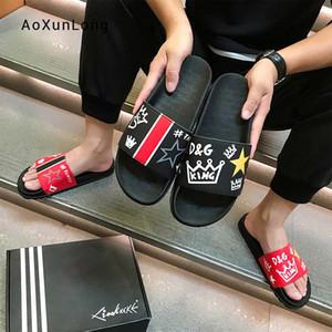 Pantofole da uomo estive Moda 2019 Nuova tendenza antiscivolo Youth Trend Sandali in pelle pieno fiore Scivoli da spiaggia all'aperto Scarpe infradito