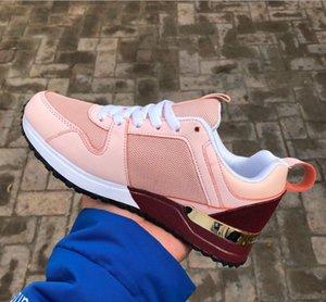 2019 Nuevos hombres y mujeres Zapatos casuales Moda Low Cut Lace-up Sport Run Away Zapatos Marca Unisex Zapatillas Designer Sneakers 36-45