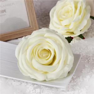 20Pcs 9CM Artificial Rose Cabezas de flores Seda Decorativa Decoración de fiesta de flores Boda Pared Ramo de flores Ramo de rosas artificiales blancas
