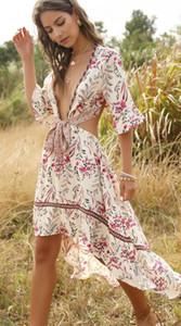 Yaz Bohemian elbise Kadınlar Derin V yaka Dantel Yüksek Bel Backless Retro Asimetrik Big Sexy Plaj Elbise T17370 Salıncak yazdır