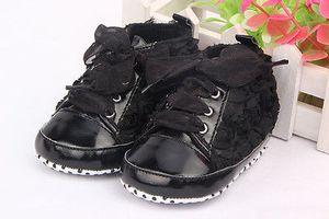 0-18M Baby Girl Zapatos de cuero de PU Zapatos antideslizantes de encaje Floral Zapatos bordados suaves Prewalker Walking Toddler Kids Shoes Envío de la gota