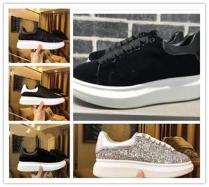 Alexander McQueen 2019 Fashion Luxury Klassische beiläufige Schuh-Plattform-Leder-Trainer der Frauen der Männer Marine-Schlangen-Haut 3M Turnschuhe Velvet Chaussures Glitter nmk01