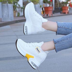 Движение Повседневная обувь женщина 2019 Joker Small White Чистка Mesh Ткань вентиляции обувь поколения