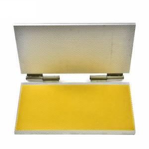 Tamaño súper sólido de Langstroth, máquina de base de cera de abejas de aleación de aluminio de tamaño colgante, máquina de base de cera de abejas portátil para envío gratis