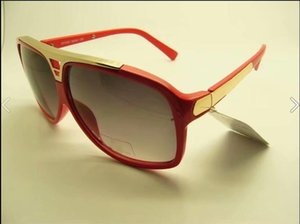 The latest sales of popular fashion designer sunglasses in 4 colors square frame top quality anti-uv400 lenses with the original box