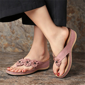 Flip Flower femmes Sandales Flops 2020 nouvelles sandales de pente antidérapants clipsé Pincement pour les femmes Mode Slipper Summer Beach Diapositives à fond plat