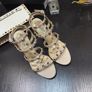 valentino Neue 2019 Frauen-Sommer-Sandalen Nieten große Bowknot Hochzeit Kleid Kitten Heels Sandalen Femininas Jelly Designer Sandalen