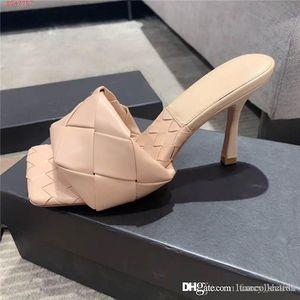 All'inizio della primavera ultima rosso nero bianco rosa in pelle intrecciata testa quadrata col tacco alto pantofole sandali altezza del tacco 8,5 cm con la scatola 35-40