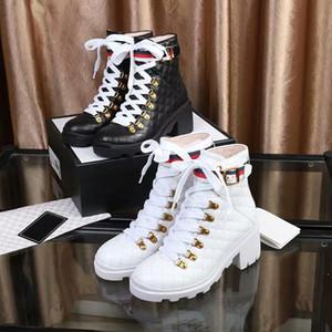 Moda y calidad 2019 Diseñador mujer Zapatos Moda Británica Botas punta redonda Martin Botas Hebilla Correa Talón Chunky Punta redonda Moda Embro