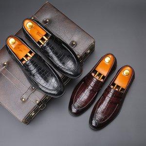 горячего ERRFC Fashion Forward Mens Досуг кожаные ботинки скользят по Остроконечному Toe Дизайнер Черного камень Pattern Человек платье обуви Плюс Размер 47 48