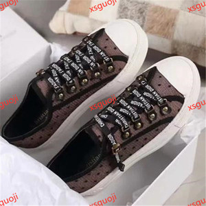 The commemorative version of the co-branded casual sneakers brings out the youthful charm of vitality, stylish and classic xshfbcl