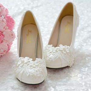 Moda Pérolas Plana Sapatos De Casamento Para A Noiva 3D Floral Applique Prom Sapatos de Salto Alto Plus Size Rodada Toe Rendas Sapatos De Noiva Designer de Marca
