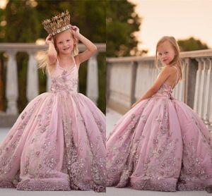 2019 Пыльное розовое кружево Аппликация бальное платье Платья для девочек-цветочниц Vintgae Pearl Бисероплетение Спагетти Вечеринка для девочек на день рождения Коммуникационное платье