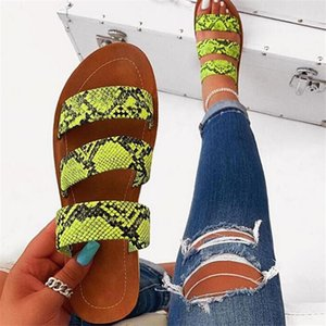 Plus Size Slippers Women Non-Slip Wild Fashion Rhinestones Sandals Beach Shoes Holiday Shoes Snakeskin Pattern Flats